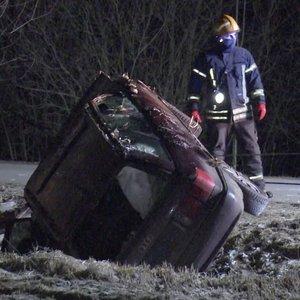 """Už 100 eurų pirkta """"Audi"""" po avarijos vairuotojui """"pabrango"""" 15 kartų: vyras neslėpė apmaudo"""