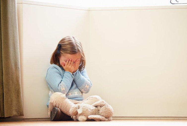 Smurtas prieš vaikus (nuotr. Fotolia.com)