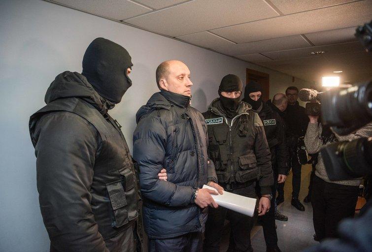 Vilniaus miesto apylinkės teisme suiminėjami teisėjų korupcijos bylos dalyviai - teisėjai, advokatai ir kyšių užsakovai.(Fotodiena/Arnas Strumila )