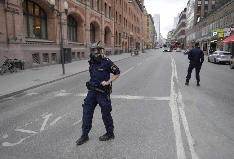 Stokholme autofurgonas rėžėsi į minią (nuotr. SCANPIX)