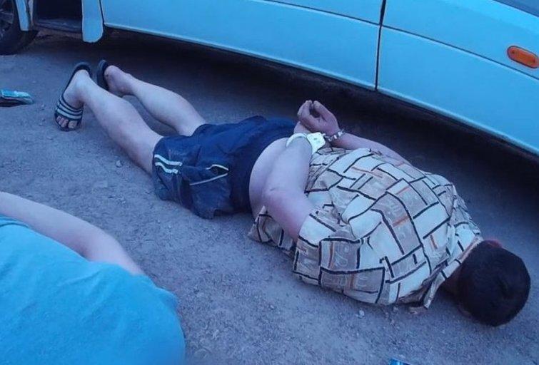 Narkotikų kelias: prisidengdami keleivių pervežimu, gabeno įspūdingus kiekius kvaišalų (nuotr. Policijos)