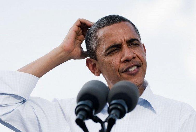 Barackas Obama sugebėjo 8 metus vilkėti tą patį smokingą (nuotr. SCANPIX)