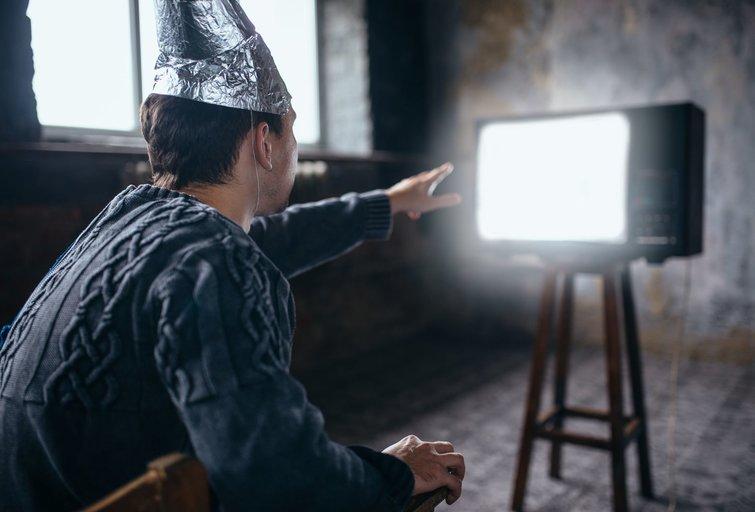 5 patarimai susidūrus su sąmokslo teorijų gerbėjais (nuotr. 123rf.com)