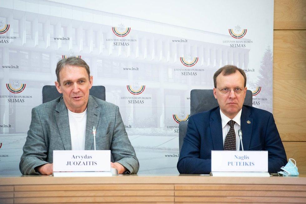 Arvydas Juozaitis, Naglis Puteikis