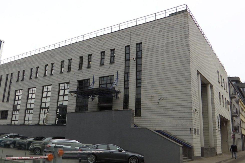 """FNTT Kauno vadas apie sulaikytuosius: """"Labai mėgo prabangą ir brangius automobilius"""" (nuotr. stop kadras)"""
