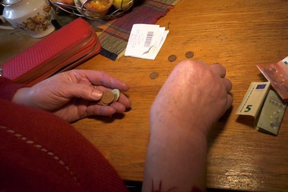 """""""Sodros"""" smūgis 79-erių moteriai: našlės pensija virto didžiule skola"""