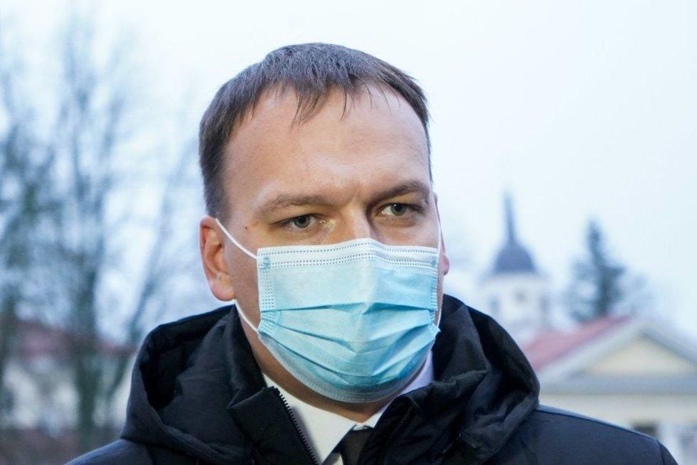 Kandidatas į susisiekimo ministrus K. Adomaitis prisistatė G. Nausėdai (Fotodiena/ Viltė Domkutė)