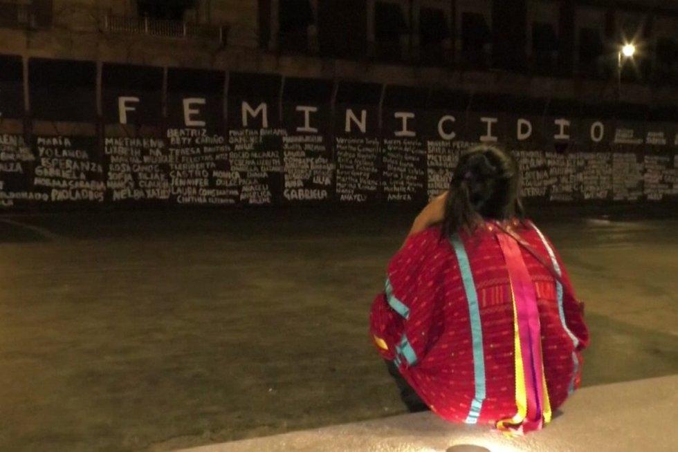 Moters dieną Meksikoje mini kitaip: pagerbia skriaudžiamas moteris (nuotr. stop kadras)