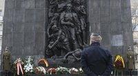 Paminklas Varšuvoje žydų aukoms atminti (nuotr. SCANPIX)
