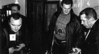 """Prieš nuosprendį H. Daktaras noriai bendravo su žurnalistais, tačiau išgirdęs, kad jam skirta bausmė iki gyvos galvos, sutriko ir nurimo (nuotr. Vytauto Liaudanskio / """"Klaipėda"""")"""