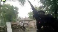 Ukrainos kariuomenė puola Mariupolio smogikus (nuotr. YouTube)