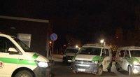 Pareigūnai reagavo žaibiškai – gavo pranešimą apie apšaudytą BMW (nuotr. stop kadras)
