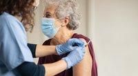 """Lietuvių kuriami mitai apie COVID-19 vakciną stebina profesorę: """"Tai yra absurdas"""" (nuotr. Shutterstock.com)"""