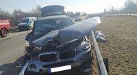 Avarija Kėdainių rajone: susidūrus BMW ir vilkikui nukentėjo žmonės (nuotr. Policijos)