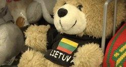 Pandemija keičia Vasario 16-osios minėjimą: masiškai vėliavas pirkę lietuviai šiemet – vangesni