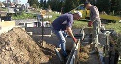 Nauja tendencija: žmonės negaili ir 70 eurų artimųjų kapams sutvarkyti