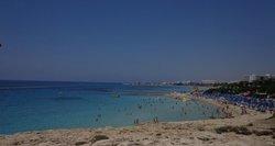 Vasaros darbas Kipre: nemokamas maistas, nakvynė ir didesnė nei vidutinė Lietuvos alga
