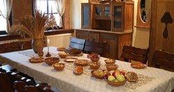 Daugėja šventėms maistą užsisakančių į namus: už Kūčių vakarienę keturiems – apie 70 eurų