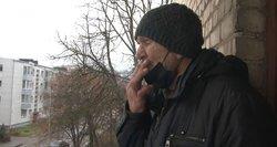 Kaimynai jau gali rašyti skundus – rūkantys balkonuose rizikuoja