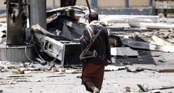 Jemeno sukilėliai patvirtino mėginę smogti Rijadui, grasina naujais išpuoliais