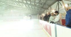 Nors už lango ruduo – Panevėžyje po stogu išlietas ledas pramogauti