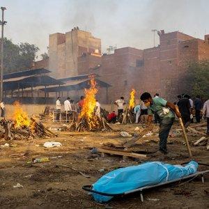 Katastrofiška Covid-19 banga Indijoje: pasiektas pasaulinis sergamumo rekordas