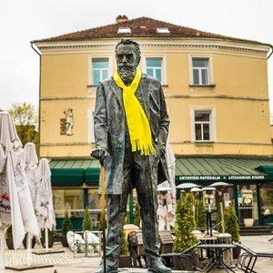 """Lydėdamos """"The Roop"""" į Roterdamą Vilniaus skulptūros jau pasiruošė diskotekai"""
