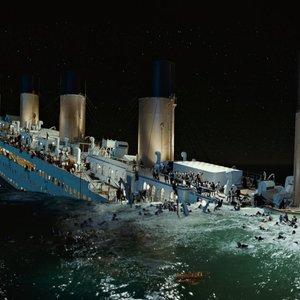 """Nauji """"Titaniko"""" vaizdai rodo, kad laivas gali greitai išnykti"""