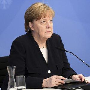 """Merkel: kovojant su klimato kaita dėl ateities kartų reikia """"padaryti daugiau"""""""