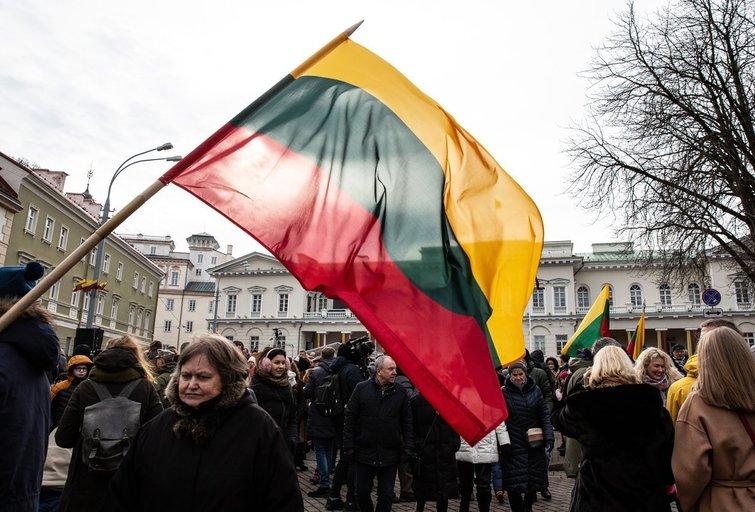 Sostinėje tūkstančiai žmonių Vasario 16-ąją paminėjo tradicinėje eisenoje (Greta Skaraitienė/Fotobankas)