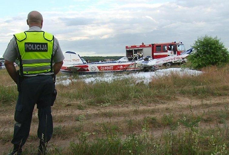 Alytuje nukrito lėktuvas: žuvo buvęs Seimo narys Vytautas Galvonas (nuotr. TV3)