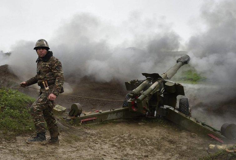 Kalnų Karabache ketvirtą dieną tęsiasi susirėmimai (nuotr. SCANPIX)