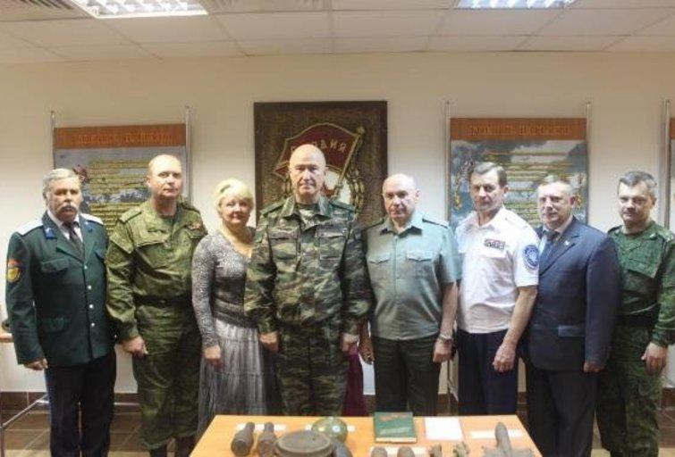 Nikolajus Tkačiovas (viduryje) (nuotr. Gamintojo)