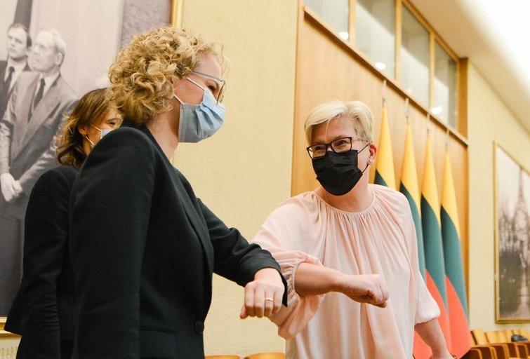 Aušrinė Armonaitė ir Ingrida Šimonytė (nuotr. Fotodiena/Justino Auškelio)