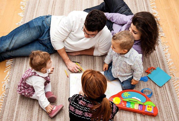 Tėvai ir vaikai (nuotr. Fotolia.com)