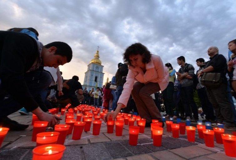Krymo totoriai mini masinių totorių trėmimų 70-metį (nuotr. AFP/Scanpix)