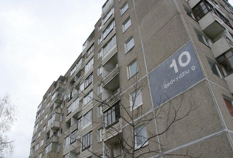 Vilniuje iš aštunto aukšto iškrito garbaus amžiaus moteris nuotr. Broniaus Jablonsko