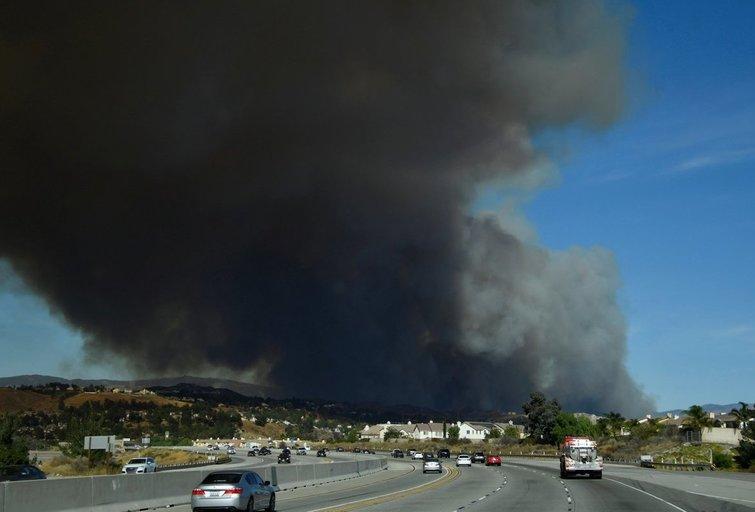 Gaisras netoli Los Andželo (nuotr. SCANPIX)