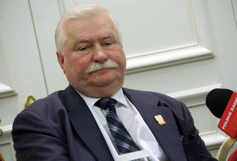 Lechas Walesa naująją Lenkijos valdžią išvadino chamais (nuotr. SCANPIX)