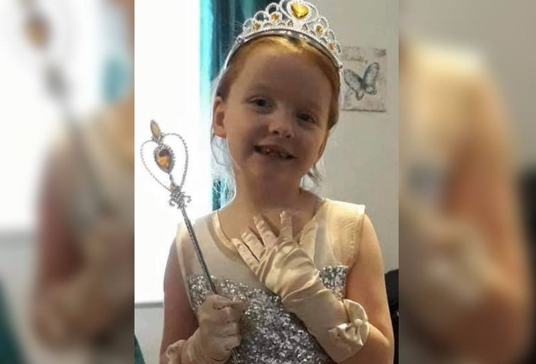 Septynmetė mergaitė ėmė skųstis gerklės skausmu, o po dviejų dienų jai buvo diagnozuotas nepagydomas smegenų vėžys (Nuotr. gofundme.com)