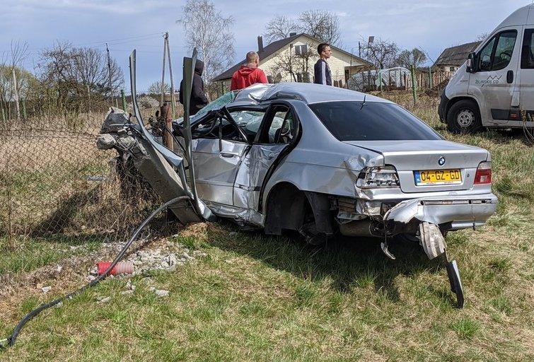 BMW avarija Vilniaus rajone (nuotr. Bronius Jablonskas/TV3)