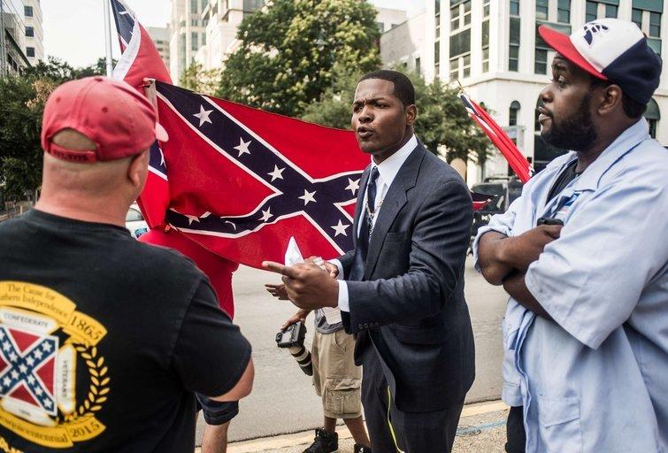 Pietų Karolinos Atstovų Rūmai pritarė sprendimui pašalinti konfederatų vėliavą (nuotr. SCANPIX)