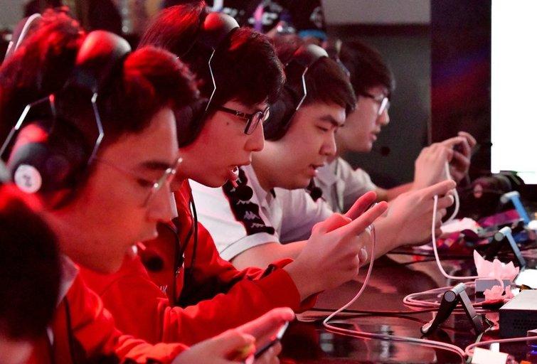 Elektroninio sporto žaidėjų pasaulyje priskaičiuojama 320 mln. (nuotr. SCANPIX)
