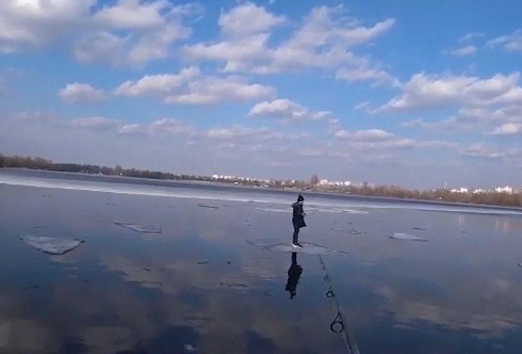 Užfiksavo berniuko žvejo gelbėjimo operaciją: liko ant atskilusios ledo lyties