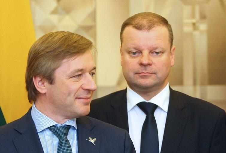 Saulius Skvernelis ir Ramūnas Karbauskis (nuotr. SCANPIX)