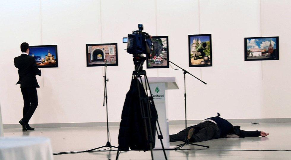 Turkijoje sušaudytas Rusijos ambasadorius: policija vykdo spec. operaciją (nuotr. SCANPIX)