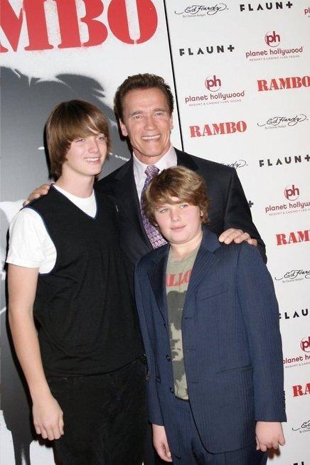 Arnoldas Schwarzeneggeris su sūnumis Patricu ir Christopheriu (nuotr. Vida Press)