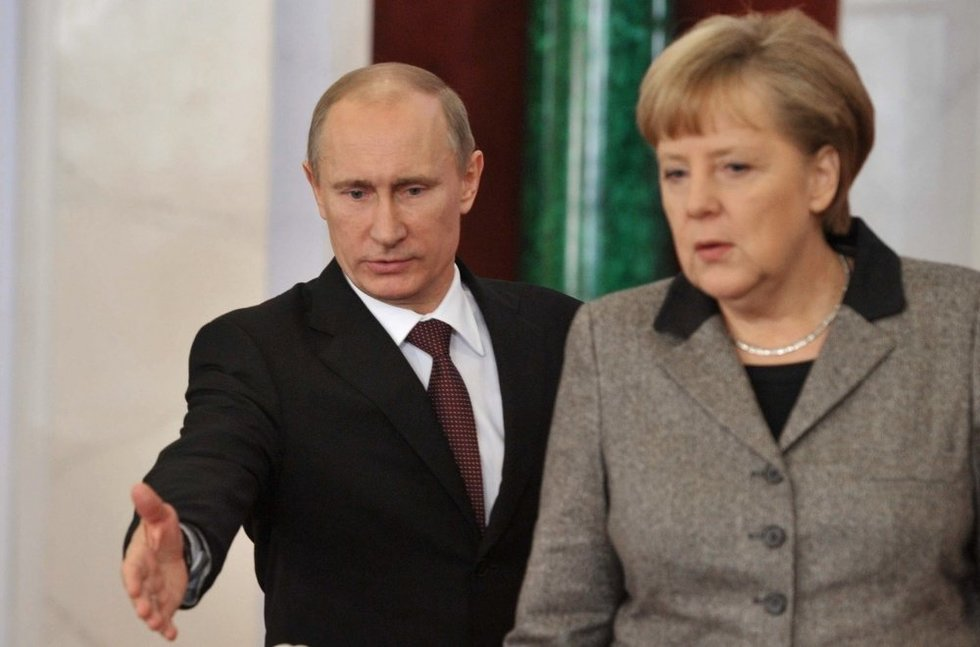 Vladimiras Putinas, Angela Merkel (nuotr. SCANPIX)