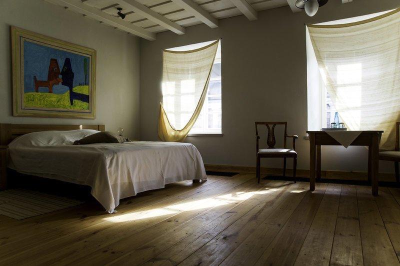 Buvusiame dvaro prievaizdo name įkurtas nedidelis, tačiau jaukus viešbutis (Paliesiaus dvaro nuotr.)
