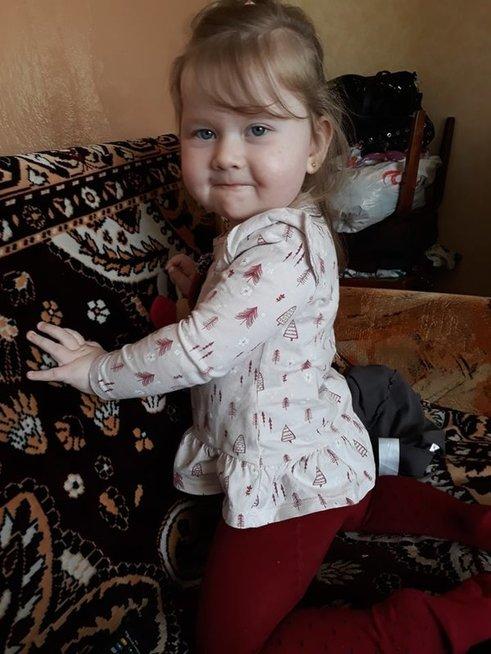 Beveik dvejų metukų Augustę kasdien kankina priepuoliai